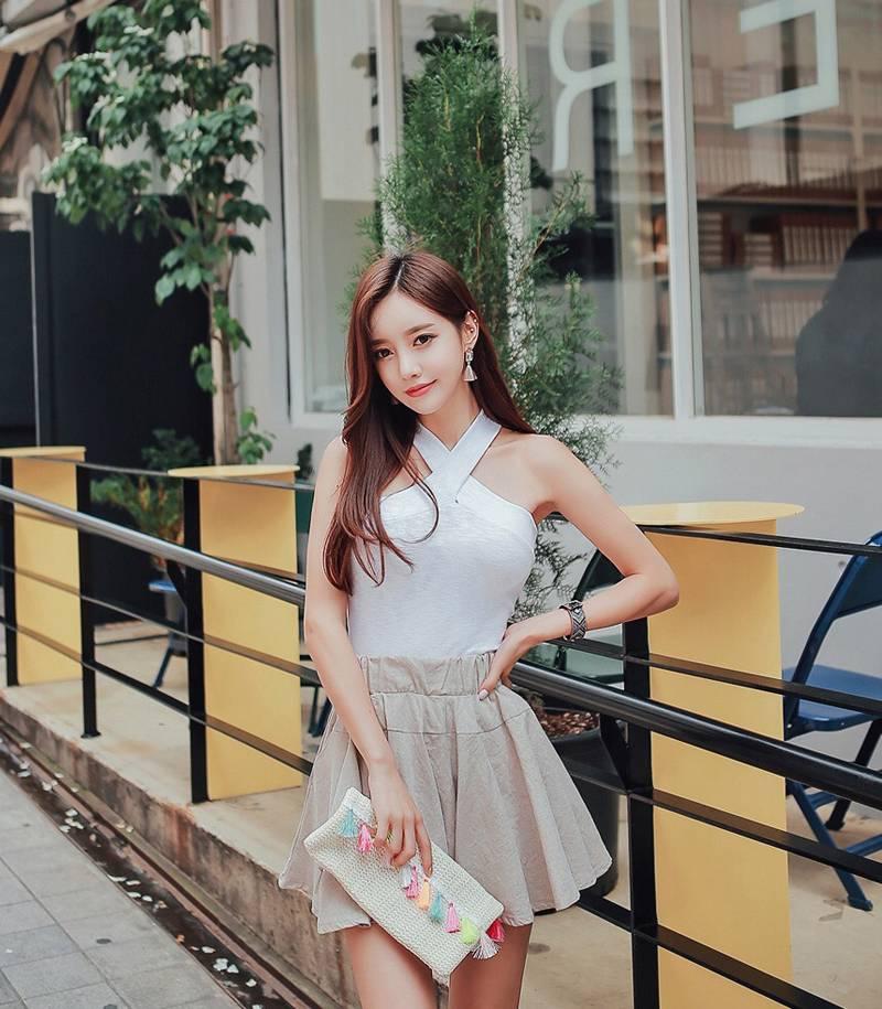 韩系清新甜美可人唯美街拍写真