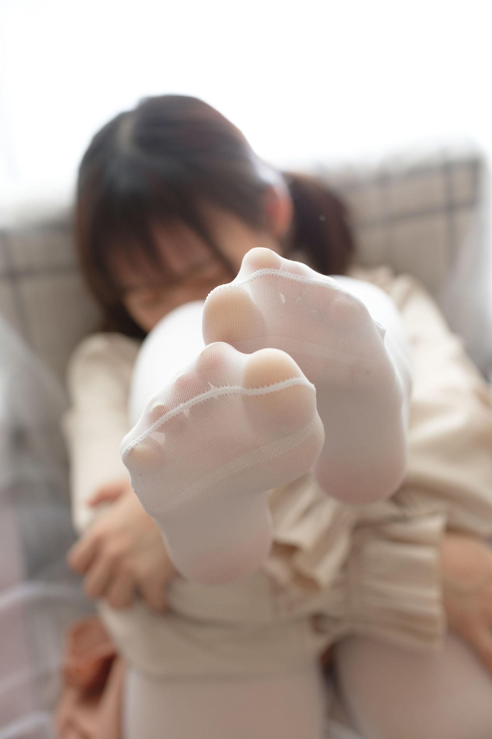 福利美图 萝莉白丝---丝袜写真-第18张图片-哔哔娱乐网