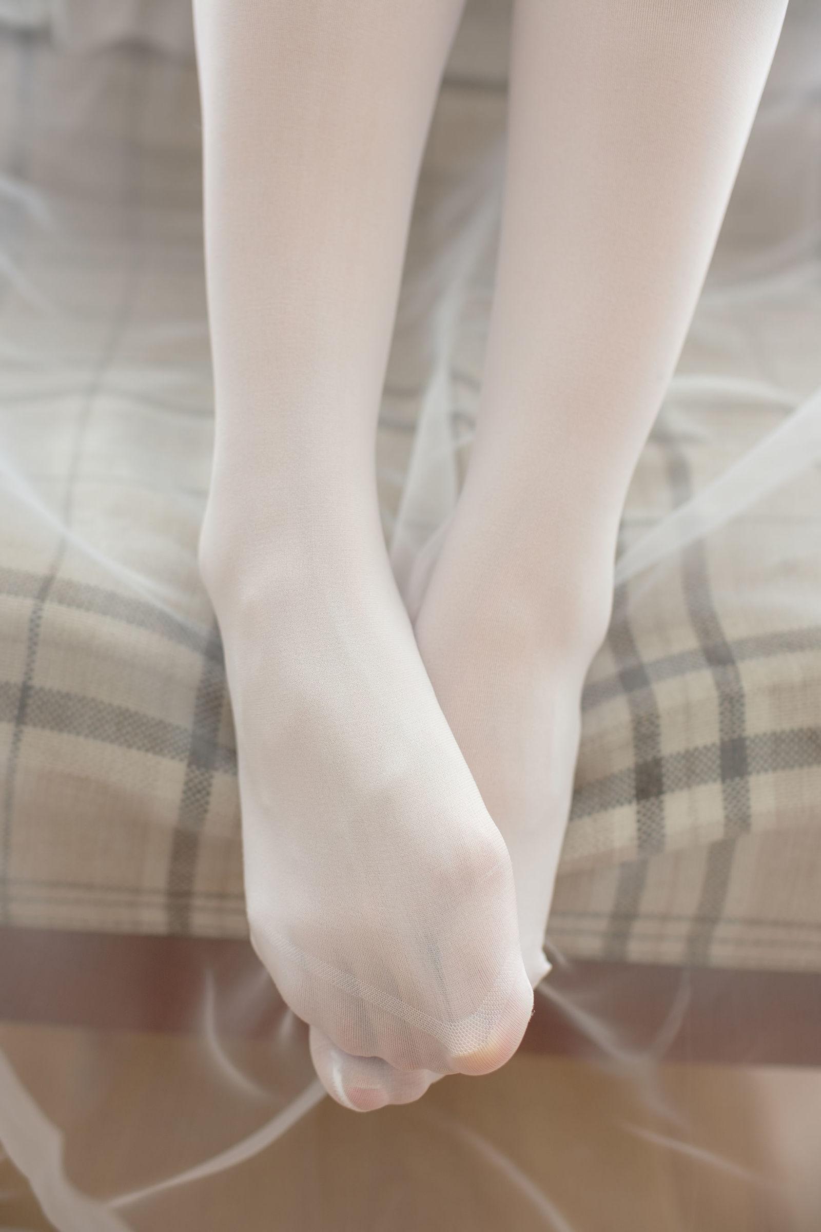 福利美图 萝莉白丝---丝袜写真-第14张图片-哔哔娱乐网