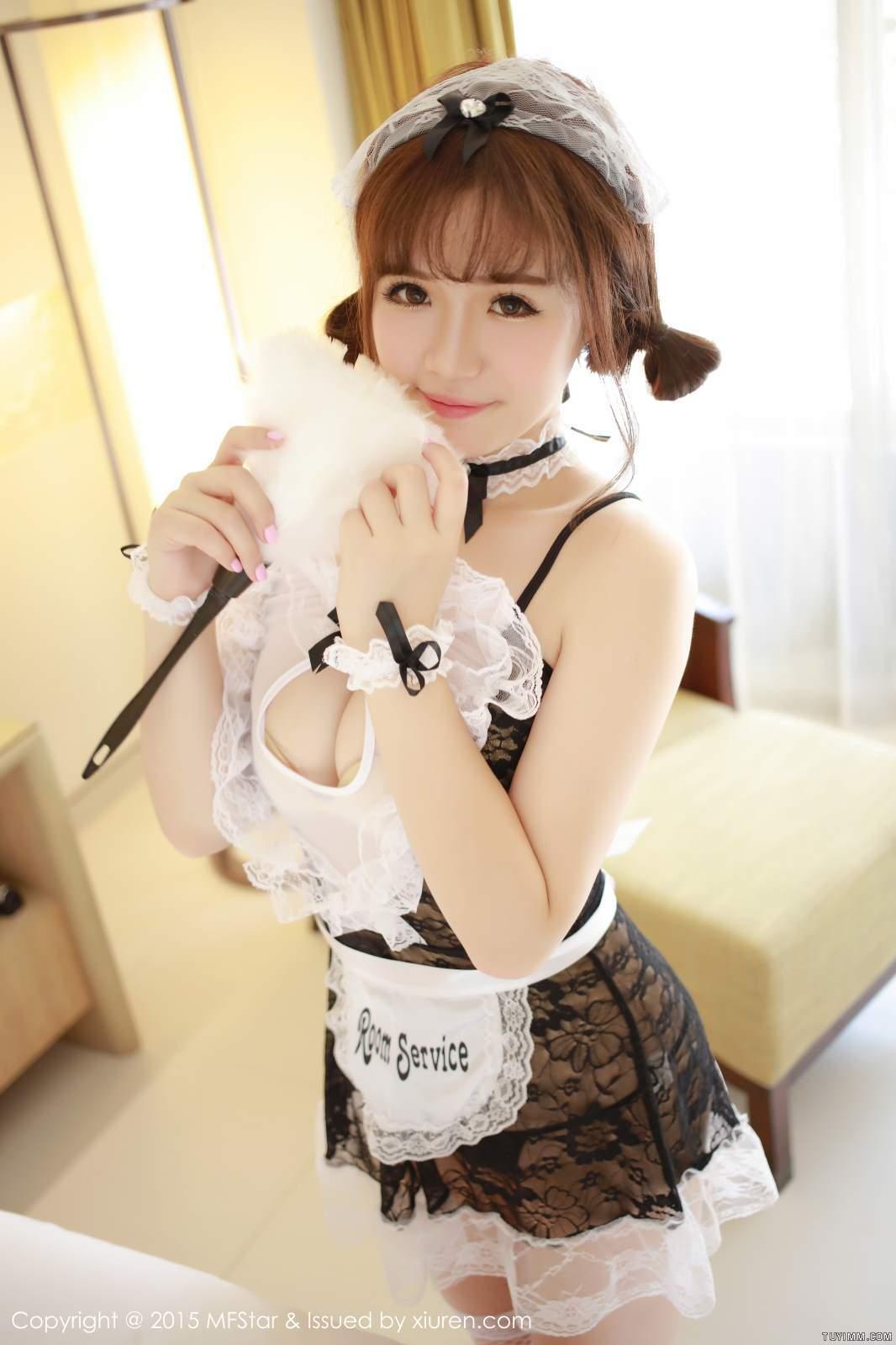 [福利]漂亮御姐护士肉丝脱衣制服诱惑爆乳福利写真-第22张图片-哔哔娱乐网
