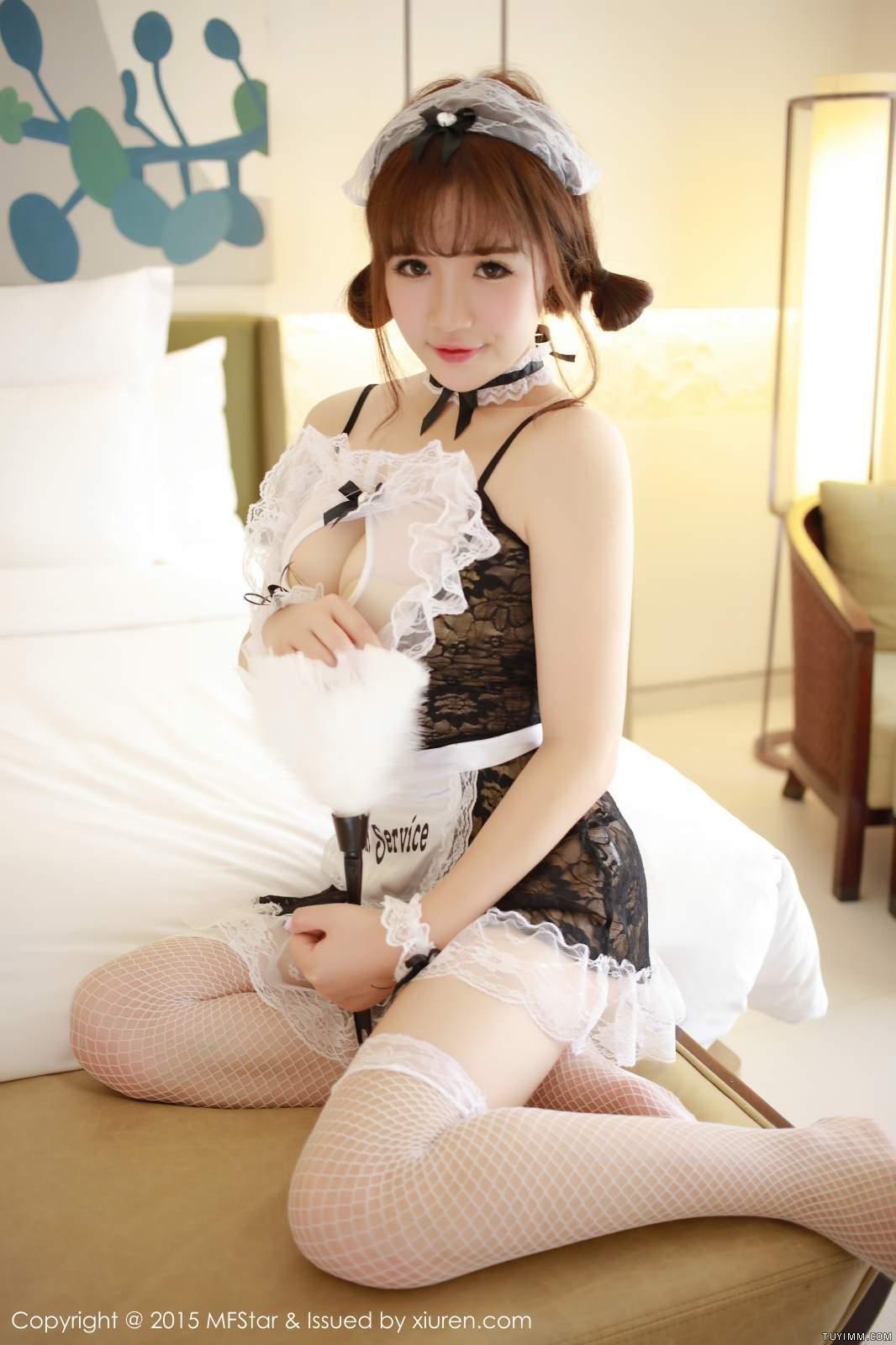 [福利]漂亮御姐护士肉丝脱衣制服诱惑爆乳福利写真-第24张图片-哔哔娱乐网