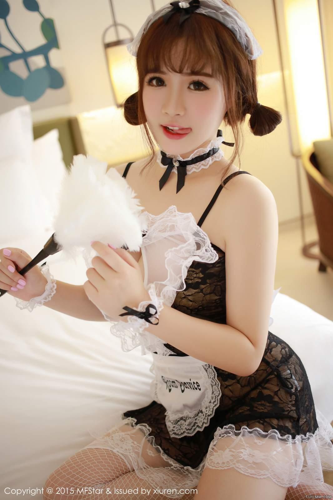 [福利]漂亮御姐护士肉丝脱衣制服诱惑爆乳福利写真-第26张图片-哔哔娱乐网