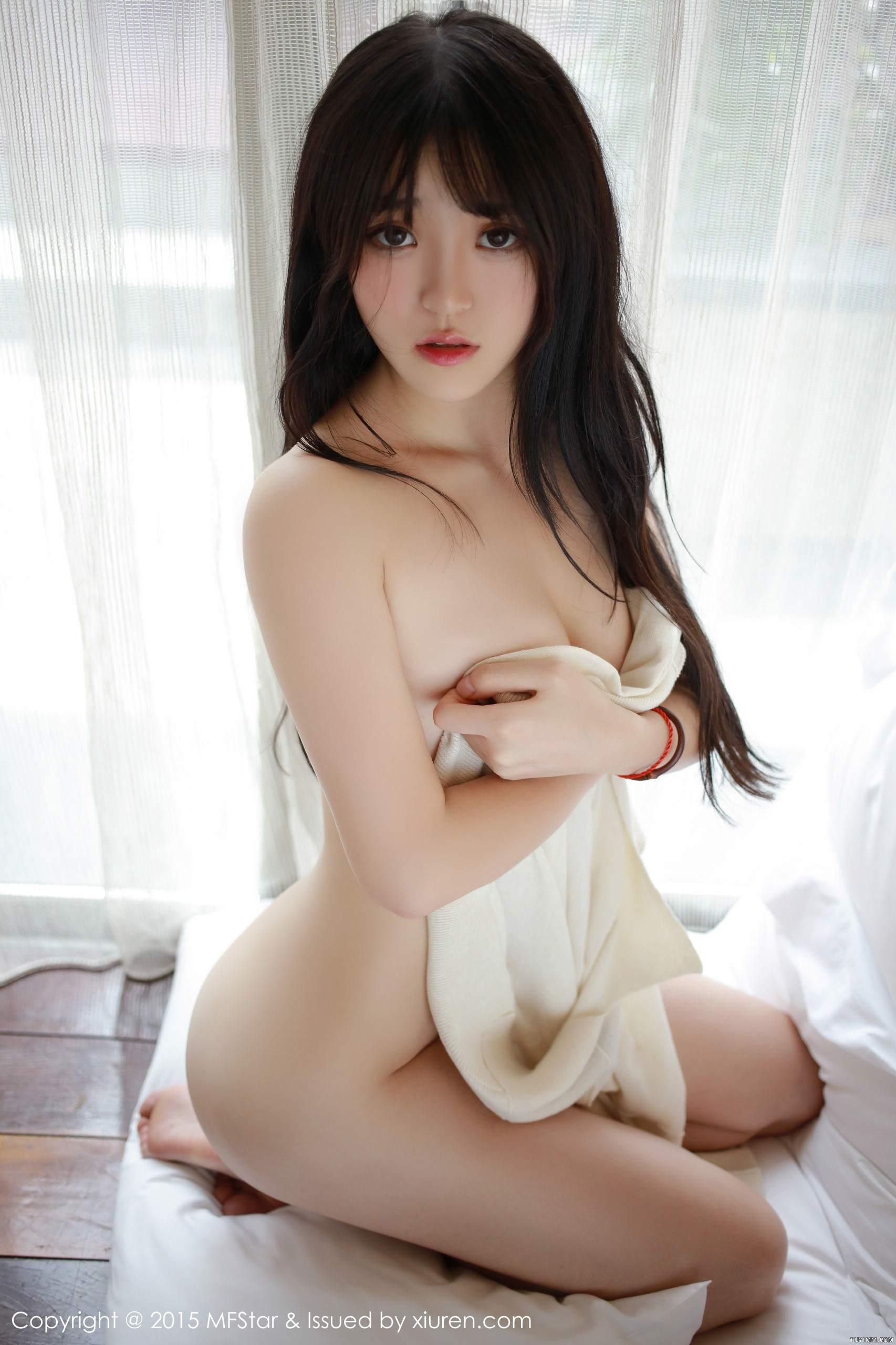 [福利]黑丝美腿校花美女制服诱惑养眼萌妹子写真图片-第36张图片-哔哔娱乐网