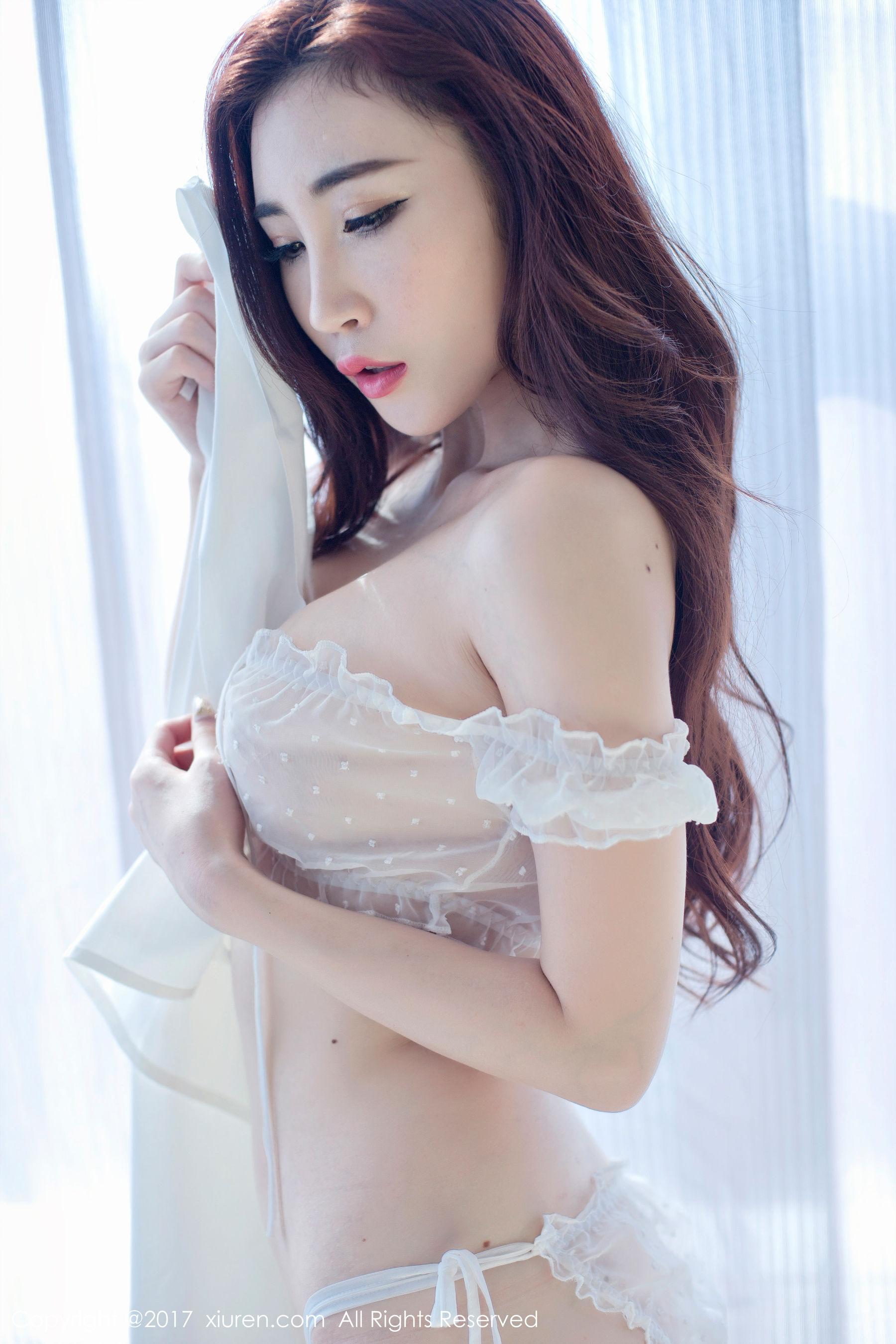 孙梦瑶V蕾丝透明纱衣+黑色镂空文胸-第10张图片-哔哔娱乐网